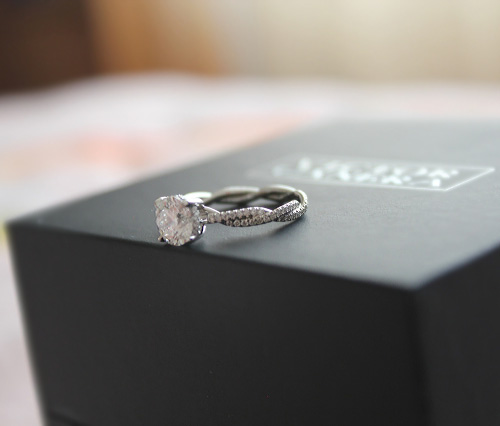 Custom diamond engagement ring by Victor Canera