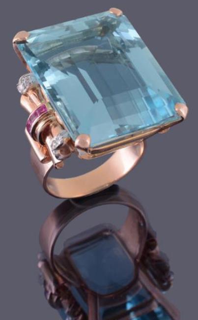 71-carat aquamarine ring by Seaman Schepps • Image: Dreweatts & Bloomsbury