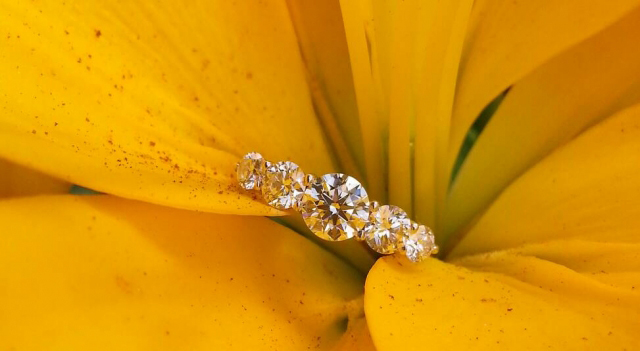 5-stone diamond ring shared by Niel
