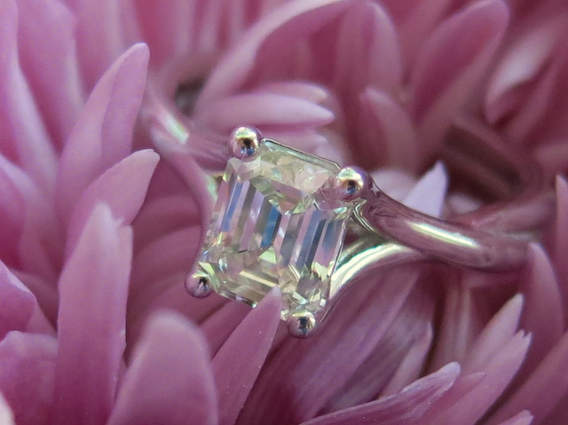 Emerald-cut diamond ring shared by ecf8503