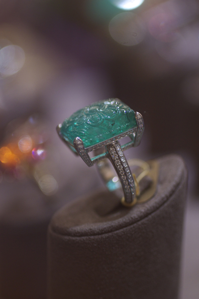 Goshwara carved emerald and diamond ring