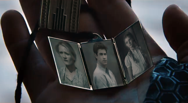 Peeta's Locket from 'The Hunger Games: Catching Fire' trailer