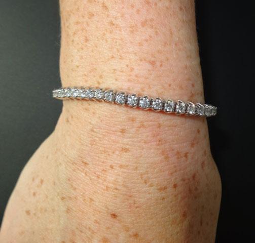 ZoeCadiz's Classy Eternity/Tennis Bracelet (Wrist View) - image by ZoeCadiz
