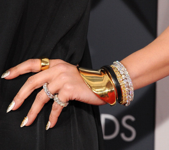 Jennifer Lopez in Norman Silverman diamond jewelry: 2013 Grammy Awards