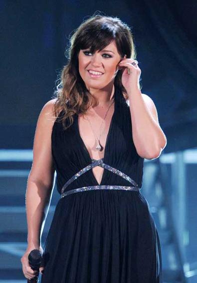 Kelly Clarkson 2012 Grammy Awards