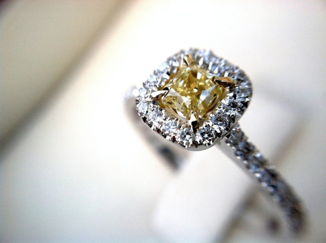 Fancy yellow diamond ring from Leibish & Co.