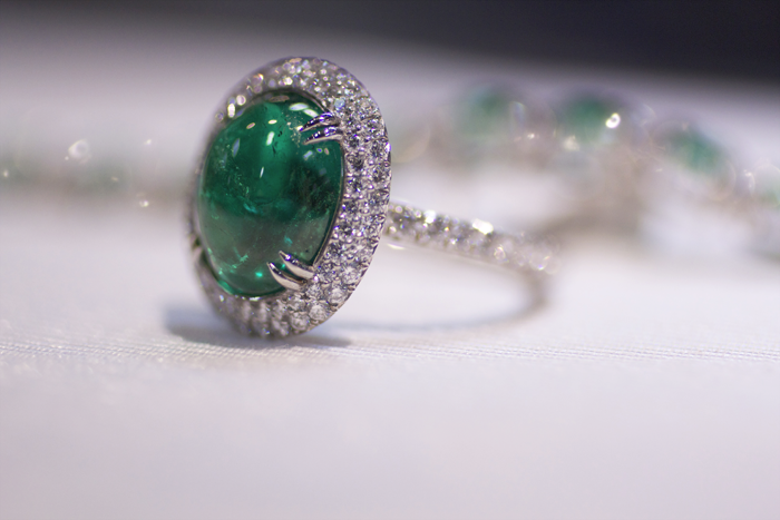 4.43-carat Colombian emerald cabochon ring by Omi Prive
