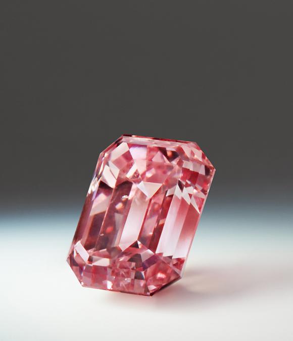Argyle Toki, a 1.59-carat fancy-intense purplish-pink diamond • Image: Rio Tinto Diamonds