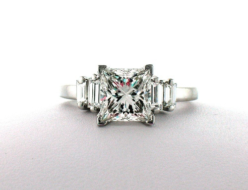 Union Diamond: Baguette engagement ring with princess-cut diamond