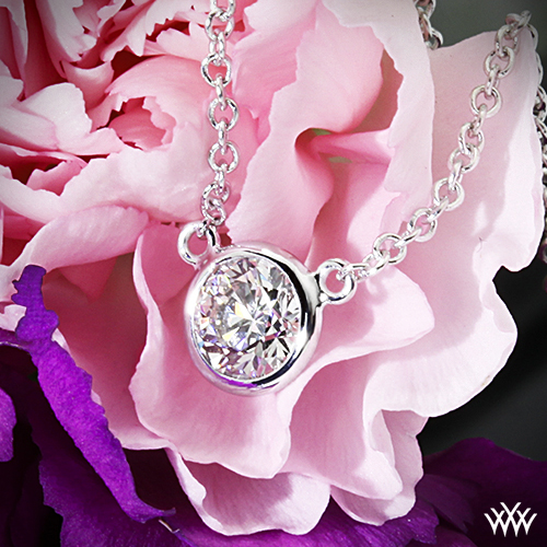 Whiteflash 18k white gold Verismo pendant with .30-carat A CUT ABOVE® diamond