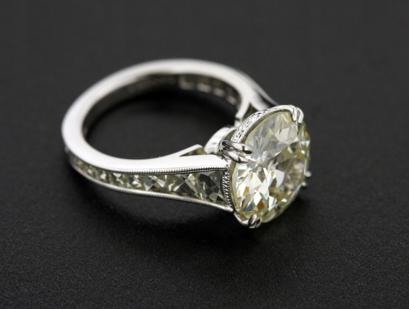 French-cut diamond ring by Victor Canera