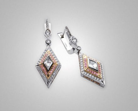 Dangle earrings with pink diamonds by Victor Canera