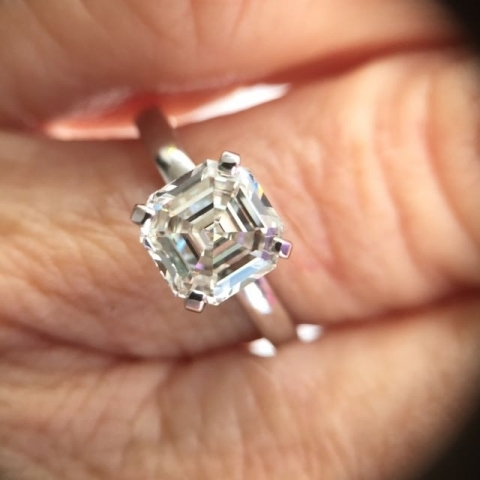 Celebrities Love Asscher Cut Diamonds