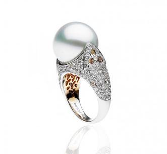 Autore Venezia ring with South Sea Pearl