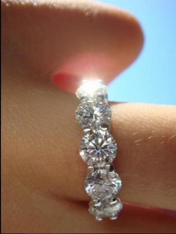 IDJ Stunning 5 Stone Ring