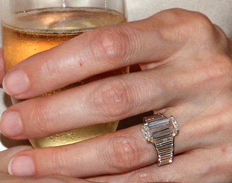 Angelina Jolie's engagement ring from Brad Pitt