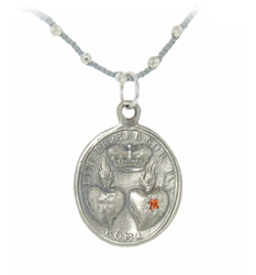 Small heart and soul pendant in silver by Catherine Michiels at Ylang 23