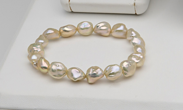 Pearl Paradise pearl bracelet with diamonds shared by pinkjewel