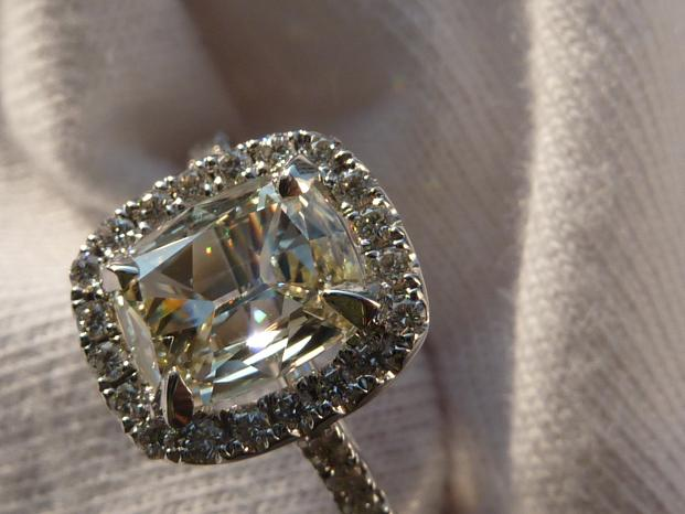 DiamondFlame's Cushion Cut Engagement Ring