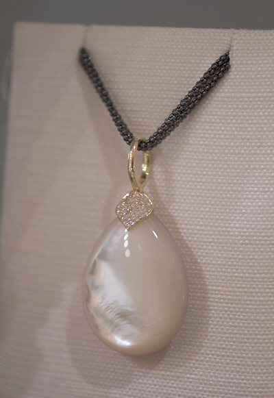 Elizabeth Showers Large Eliza teardrop pendant