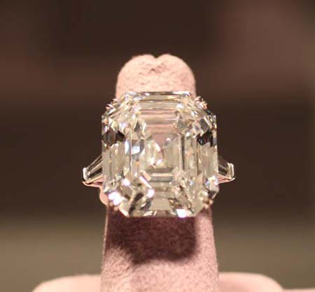 The Elizabeth Taylor Diamond Sold for $8.8 million at Christie's Evening Sale