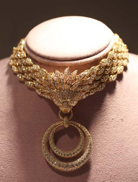 Elizabeth Taylor Exhibition - The Granny Necklace