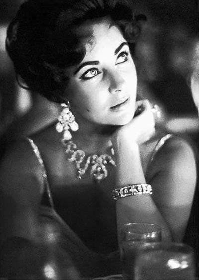 Elizabeth Taylor wearing Diamond jewelry from Mike Todd