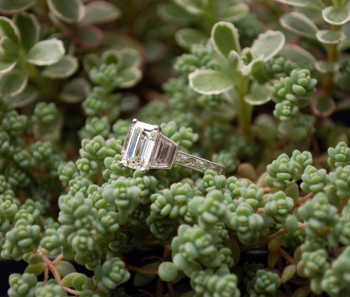 Emerald-cut diamond 3-stone ring • Image by artdecolover71