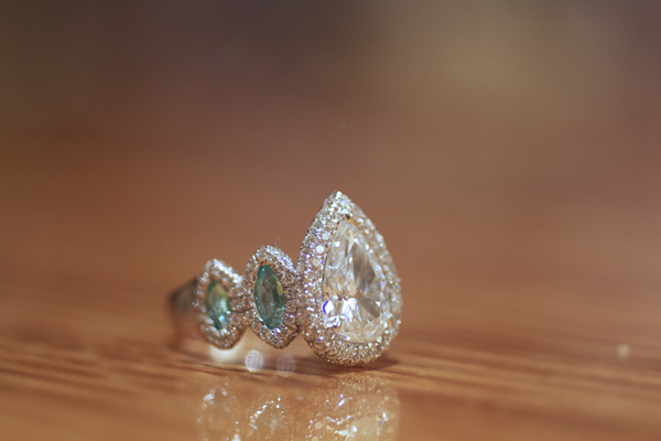 Pear-shaped diamond halo ring