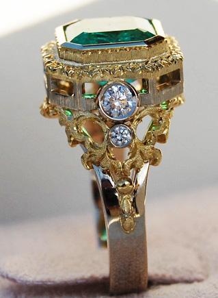 Emerald ring profile