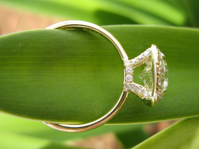 Halo diamond ring profile