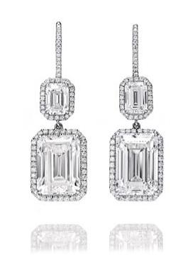 Harry Winston diamond earrings worn by Jessica Chastain