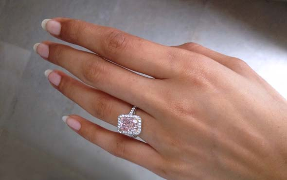 Fancy Purplish-Pink Diamond ring