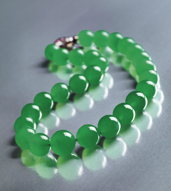 The Hutton-Mdivani jadeite necklace • Sotheby's Hong Kong