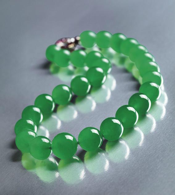 The Hutton-Mdivani jadeite necklace • Sotheby's Hong Kong