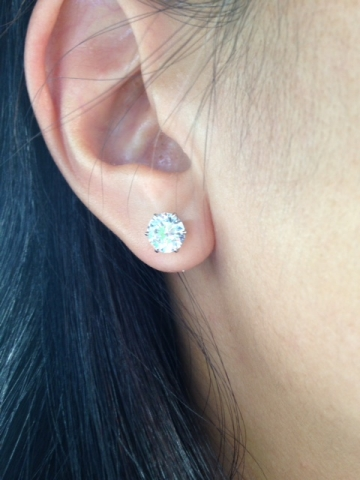 LLJsmom's stunning 2.3ct studs from Whiteflash ear shot