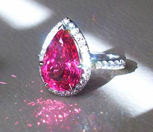 Mahenge Spinel Diamond Ring