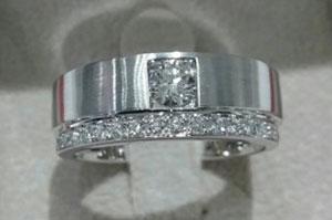 praween_s's Unique Men's Diamond Ring (Top View) - image from praween_s