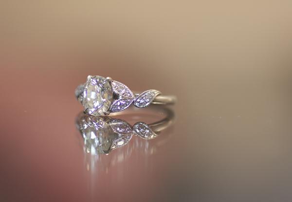 Neatfreak Oval Diamond Ring