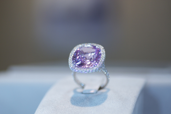 Omi Privé 20.02 carat unheated pink sapphire and diamond ring