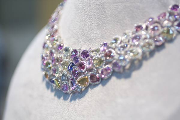 Omi Privé Sapphire and Diamond Necklace