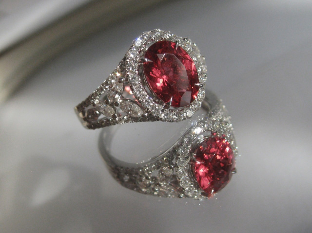 Red Spinal and Diamond ring - image by Aljdewey