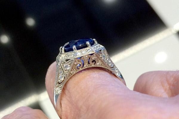 Sébastien Barier Ring with Burmese Sapphire - Image by Art Nouveau