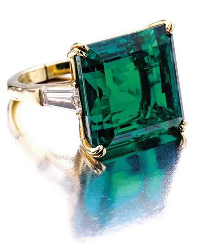 18.54-carat Colombian emerald ring by Van Cleef & Arpels, Sotheby's