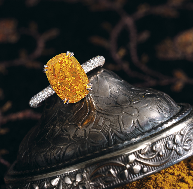 4.19 carats Fancy Vivid Orange Diamond Ring