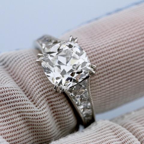 SunshineRn's French cut 3.04ct diamond setting