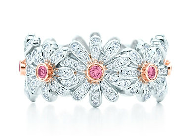 Jean Schlumberger Daisy Ring with fancy vivid pink diamonds by Tiffany & Co.
