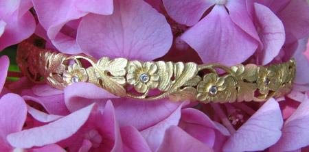 Van Craeynest gold bangle bracelet
