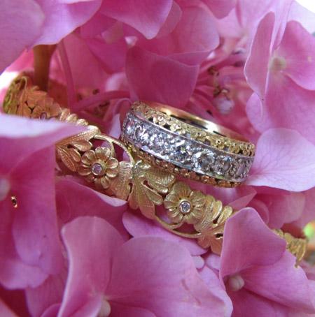 Van Craeynest gold bangle bracelet with diamond ring