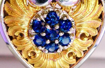 Van Craeynest heart sapphire pendant